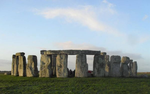 Your Stonehenge guide - Stonehenge in early morning from the north east