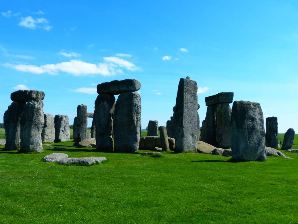 Stonehenge guided tours