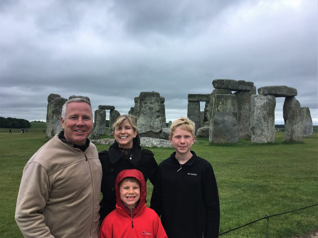 Stonehenge private guided tours for families
