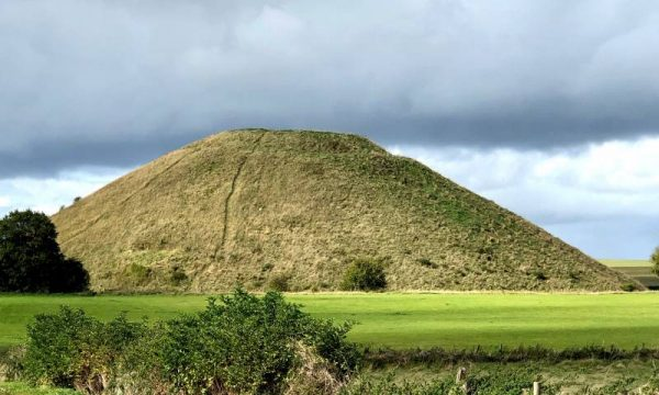 Stonehenge private guide - Silbury HIll