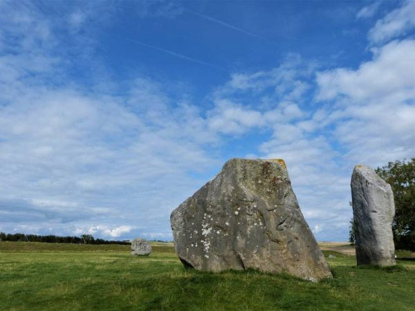 Avebury guided tours - Avebury Cove with Oldbury Tours