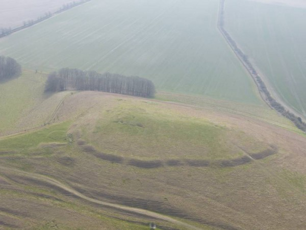 Knap Hill Causewayed Enclosure from the air. Pilot: Tony Hughes; Photo: Laurence