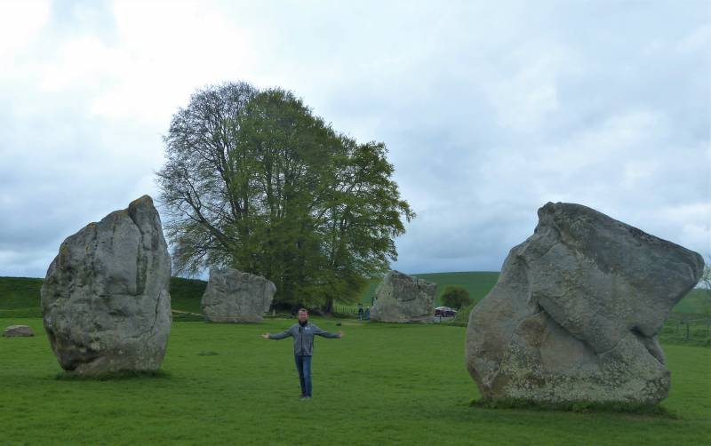 Avebury Guided Tours - At Avebury with Oldbury Tours
