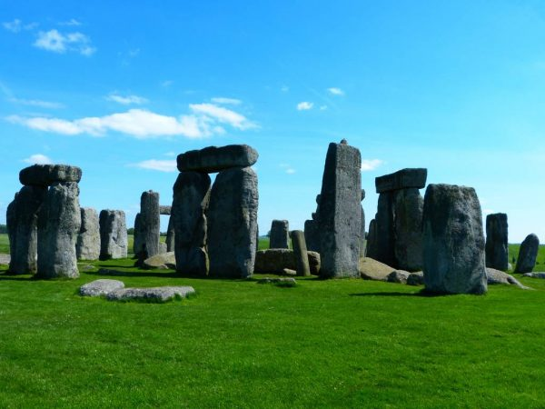 Stonehenge guided tours - Stonehenge in May with Oldbury Tours