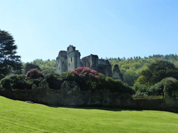 Stonehenge Private Guided Tours - Old Wardour Castle with Oldbury Tours